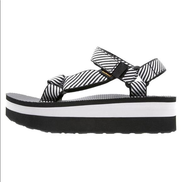 a44753b9b773 Teva Black and White Flatform Sandals. M 5c4478d23e0caa01d39a5498